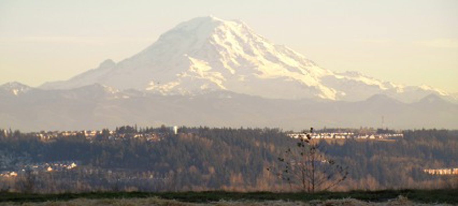 H2---Vista-Pointe-Mount-Rainier-Main2_Fotor-426x320